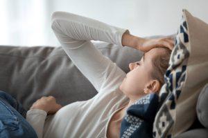 persona dorme troppo perchè ha il mal di testa